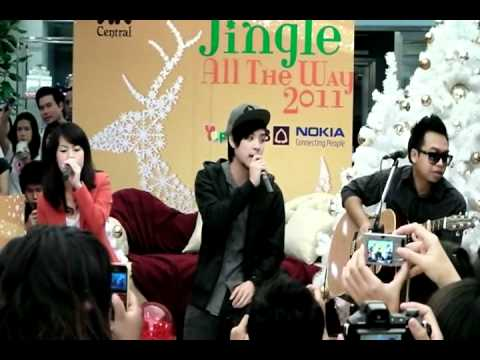 """Room39 """"Lucky"""" @ Central Chidlom 26/12/2010"""