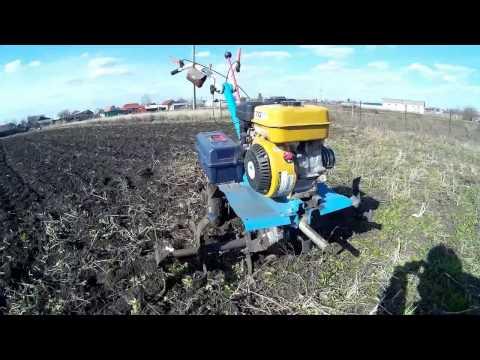 Мотоблок Нева МБ2 (боронование почвы штатными фрезами) закрываем влагу