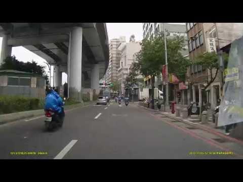 2013.11.05 12:40pm 市民大道重慶南北路口車禍
