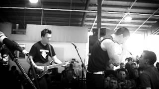 Watch Avenged Sevenfold Waking The Fallen video