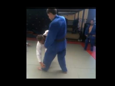 KIBISU GAESHI    Leg Grab JUDO Throw Image 1