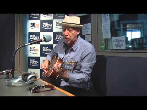 Russell Morris performs Black Dog Blues