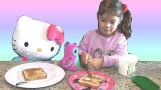 Bé Peanut Mới Ngủ Dậy - Chải Tóc- Chuẩn Bị Ăn sáng - Đánh Răng - Làm Lunch Box Sandwich - Đi Học