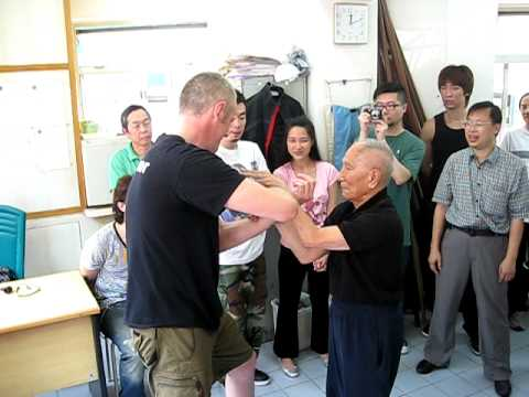 Grandmaster Ip Chun playing chi sau with Sifu Matt Isaacs.