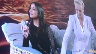 Xuxa faz Anitta passar vergonha ao vivo