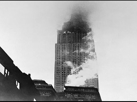 Plane crash into the Empire State Building in 1945 (911 style)
