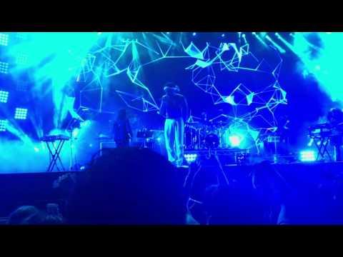 download lagu Childish Gambino - Redbone Live @ Field gratis
