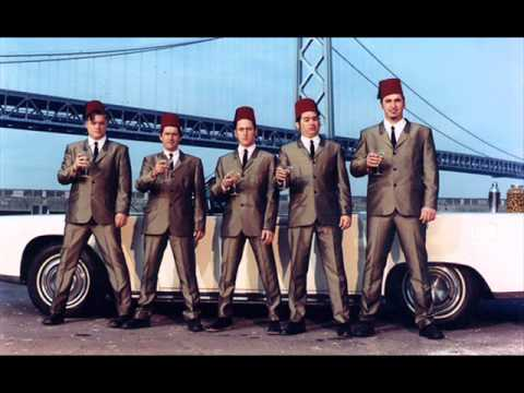 Me First And The Gimme Gimmes - Looking For Love