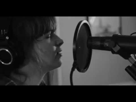 Gabrielle Aplin - The Story of Light Up The Dark