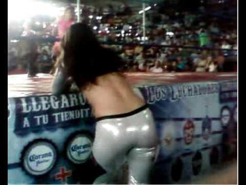 EL TRASERO de Dark Angel luchadora del CMLL