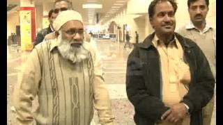 Airport - Indian Film Star Naseeruddin Shah Arrival Airport Pkg By Shehzad Khan City42