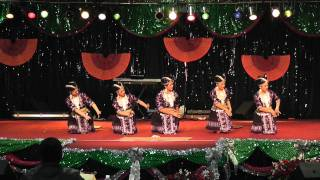 Nkauj Hmoob Pem Suab - (Round 3) Fresno New Year dance comp 2011-2012