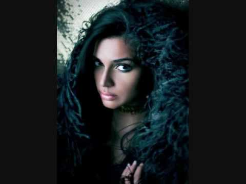 Serge Devant feat. Nadia Ali - 12 Wives in Tehran