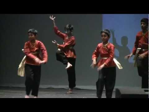 Dheeraj Dancing For Maheshbabu Khaleja Om Namo Siva Rudraya video