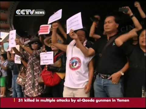 Thai army: Yingluck, protest leaders given