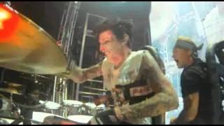 TOMMY LEEs 360 Drum Rollercoaster