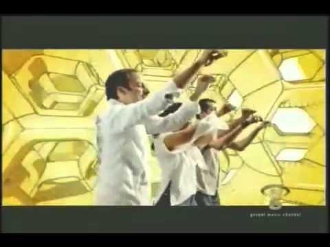 Juan Luis Guerra y 440 – Las Avispas – Videoclip – Musica Cristiana.flv