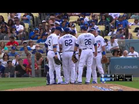 SD@LAD: Jimmy Rollins imitates Lasorda as manager in dugout