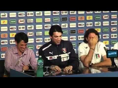 VIDEO A Buffon e Sirigu scoppia la ridarella