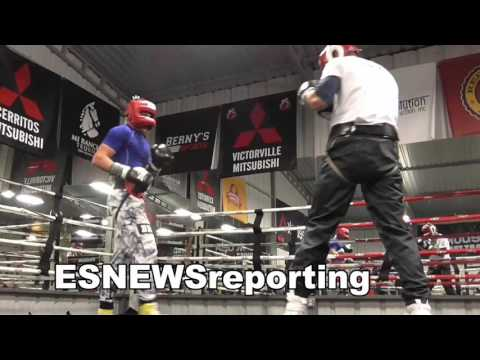 future champs putting in work in the Bullpen In Riverside - EsNews Boxing