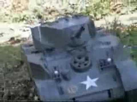 1:6 - Huge Stuart RC Tank - 21st Century