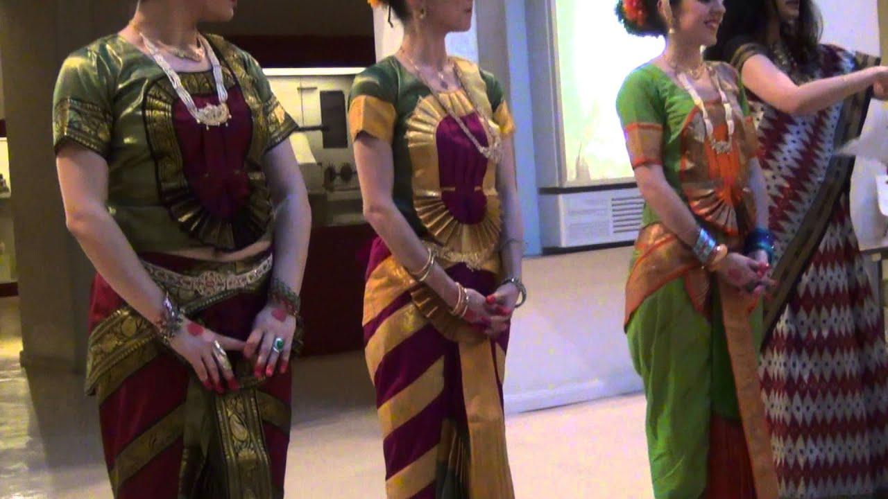 charla indio trajes