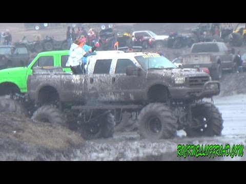 WET N WILD MUDDIN FUN AT REDNECKS WITH PAYCHECKS!!!