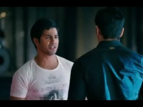 Rohan & Abhimanyu Fight Over Shanaya - Student Of The Year