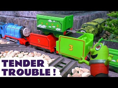 Thomas & Friends tender trouble with the funny Funlings and Tom Moss - Train stories for Kids TT4U