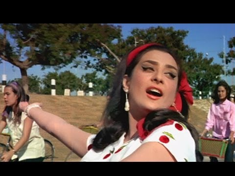 Main Chali Main Chali - Peppy Bollywood Song - Saira Banu -...