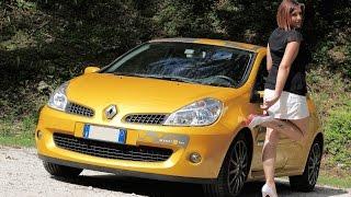 Fast Driving Girls - Hélena Renault Clio RS R27 F1 POV (V074) barefoot / high heels