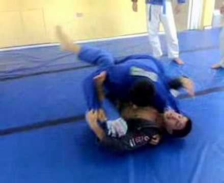 BJJ - Spider Guard - Sweep Image 1