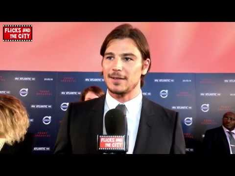 Penny Dreadful Premiere Interview - Josh Hartnett & Bond 24