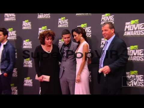 Melanie Iglesias at 2013 MTV Movie Awards - Arrivals 4/14...