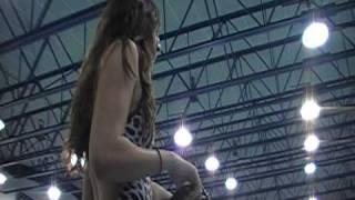 Thumb Video: La manera más rápida de ponerte una gorra de natación (en 1 segundo)