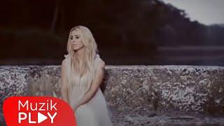 Niran Ünsal - Hangimiz Sevmedik (Official Video)