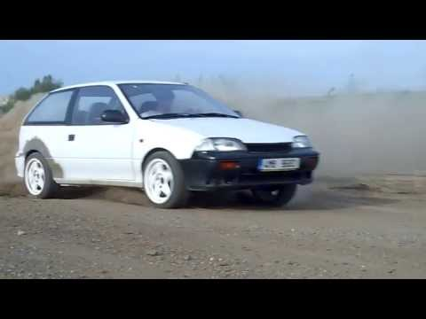 Fast drift on gravel with Suzuki Swift