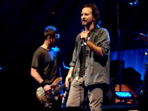 Pearl Jam - Fatal - HSBC Arena, Buffalo NY 5/10/2010 Video