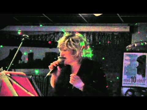 Aida Cooper – E parlo ancora di te (live 2011)