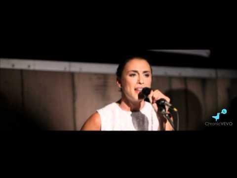 Medina - Ensom (Acoustic Version)