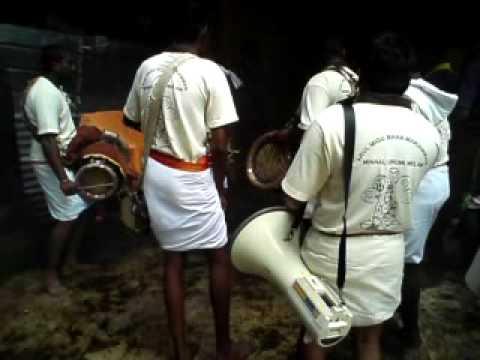 Highlands urumi melam in bentong karuppan samy temple 2012