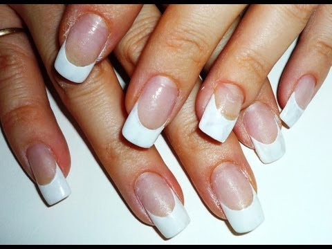 How to Perfect the French White Manicure Smile Line