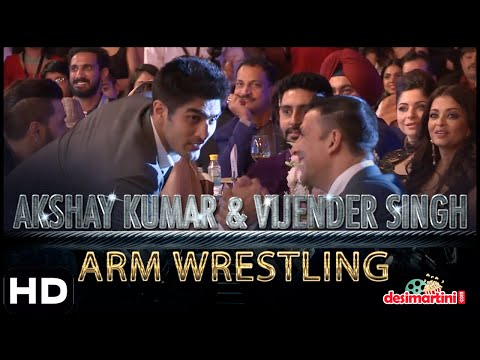 Akshay Kumar & Vijender Singh Arm Wrestling | Hindustan Times Most Stylish Awards, Delhi | 2016