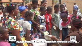 Đến ngôi làng không bao giờ dùng tiền mặt| VTV24