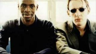 Watch Lighthouse Family Loving Every Minute video