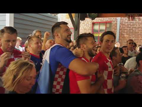 Croatia equalizes v England, fans go nuts at Amsterdam Tavern World Cup 2018 | SoccerHive thumbnail