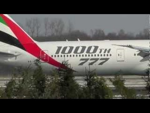 Boeing 777 and A300 Landing Emirates & Iran Air