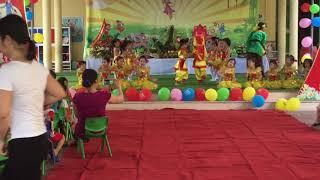 Bé múa Trung Thu
