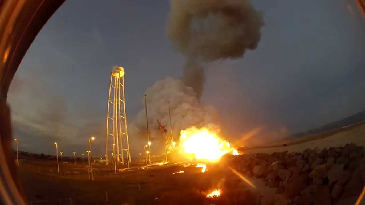 [Jaw Dropping Footage Of The Antares Orb-3 Exploding] Video