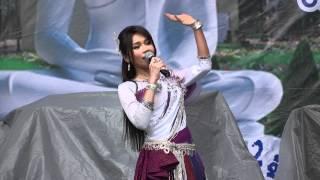 Tai Orathai ต่าย อรทัย At Wat Thammapathip - 24-06-2012